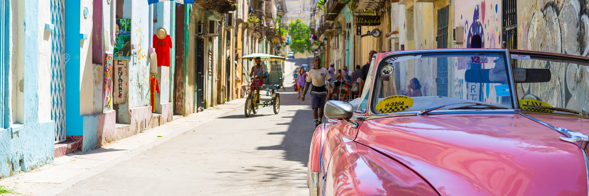 cuban street with vibrant colors