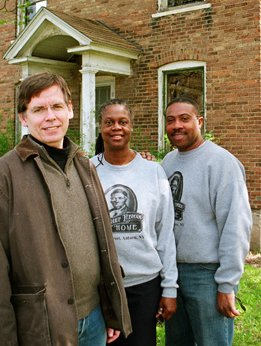 Armstrong with Christine Carter and her husband, the Rev. Paul Carter, both directors and caretakers of the Tubman Home in Auburn, N.Y.