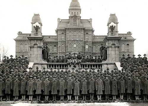 Student Army training corps in front of the Hall of Languages, 1918.