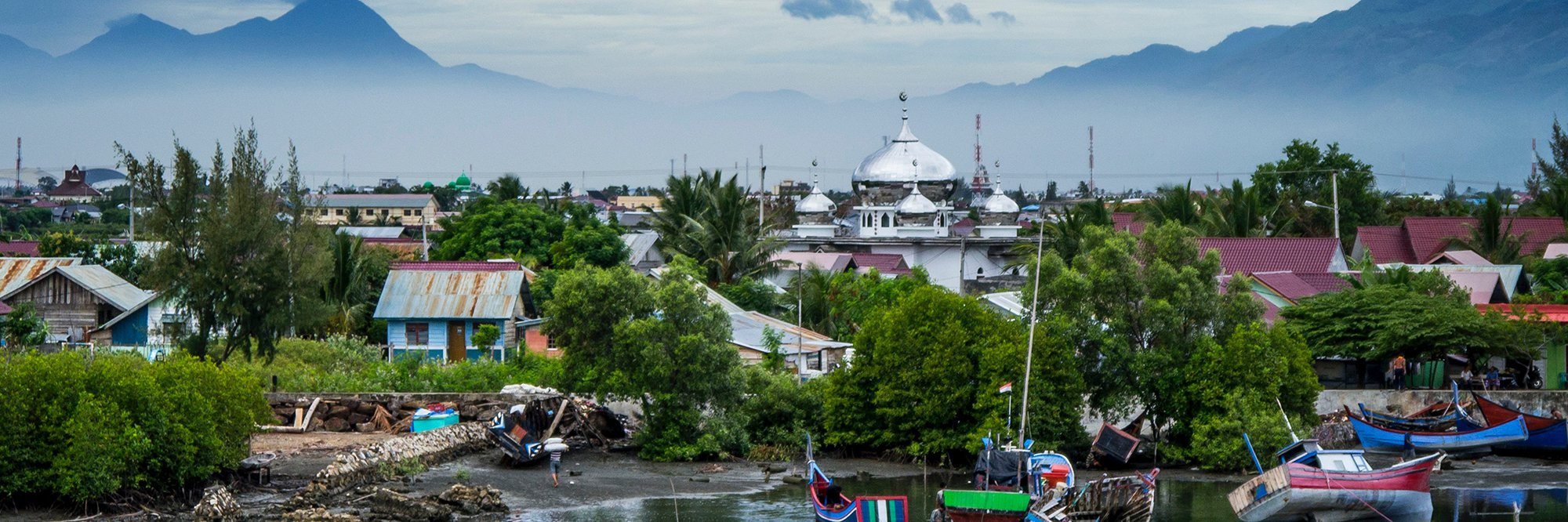 Banda Aceh, Indonesia water, boarts, temples, mountains